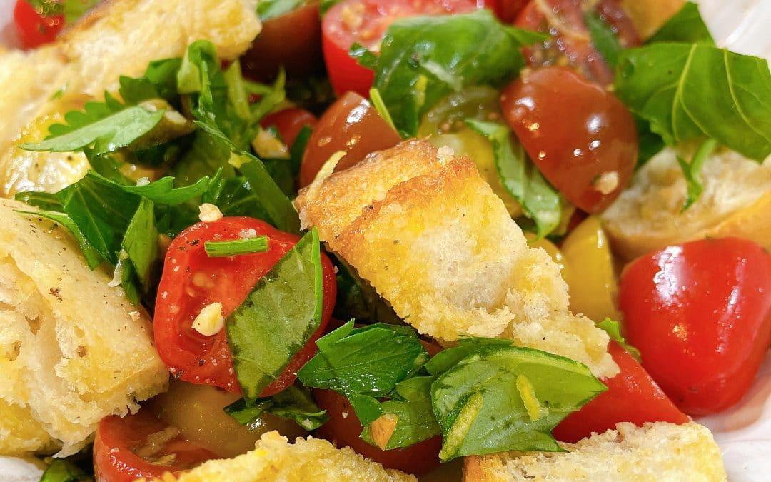 Healthy Panzanella Salad (Tomato and Bread Salad)