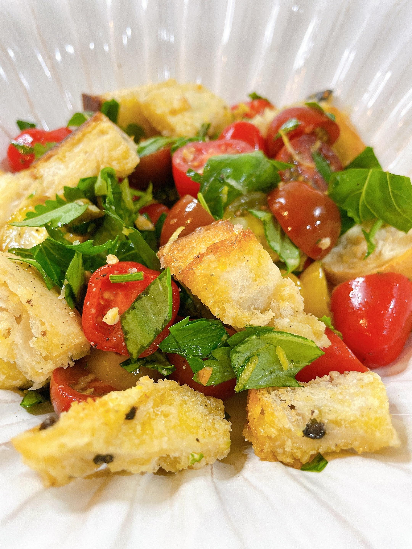 healthy panzanella salad